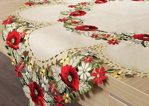 Вышивка на салфетке в одном цвете