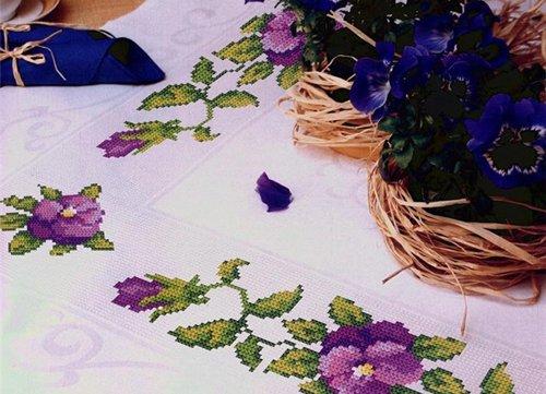 О наборах для вышивания скатерти и салфеток
